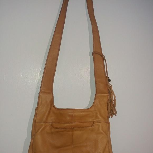 ca6a09ce15 HOBO Handbags - Hobo international leather crossbody purse